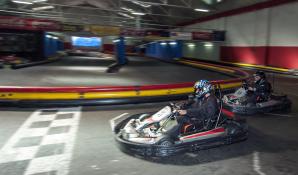 carrera de karts durante despedida de soltero
